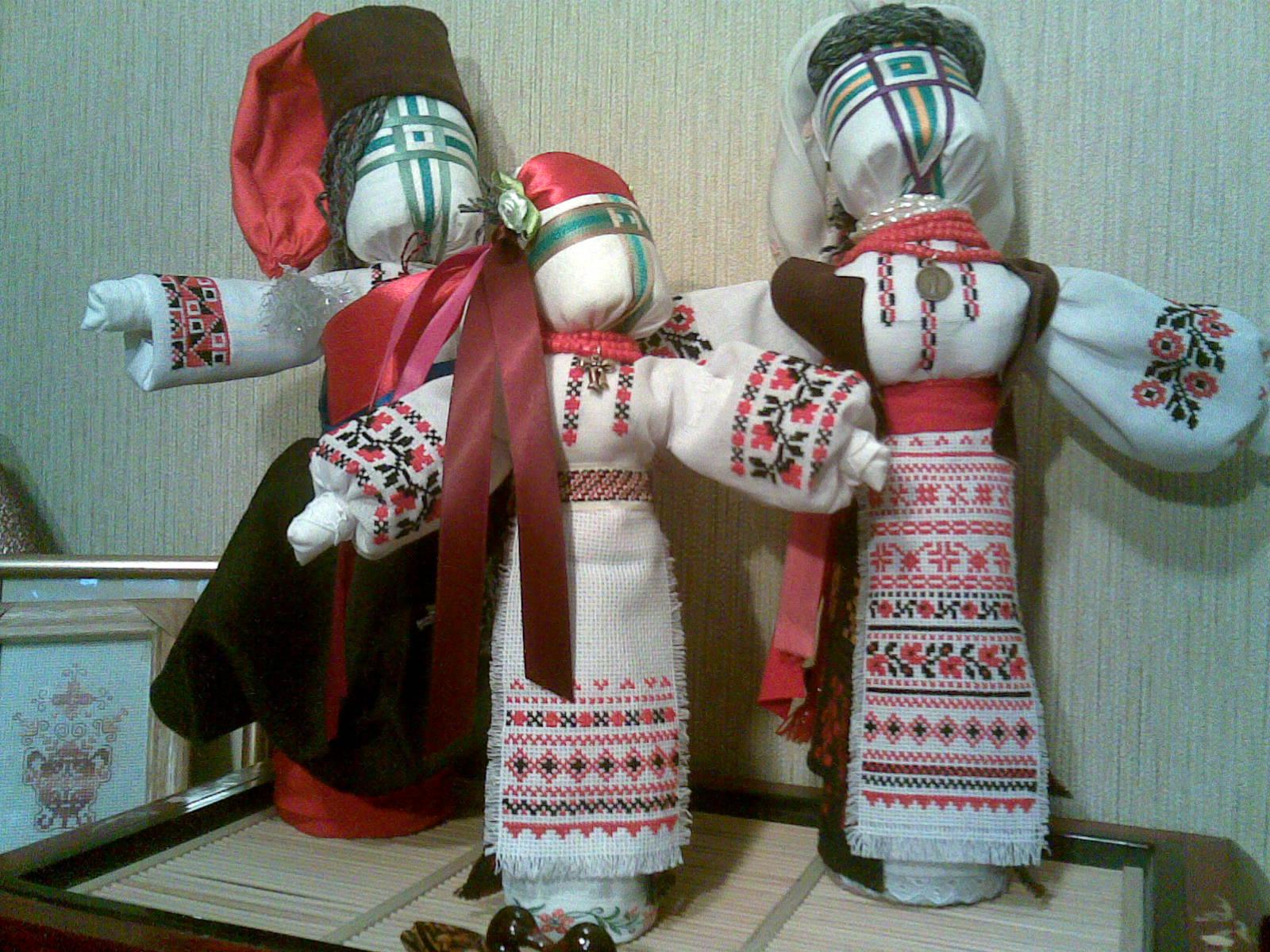 Сделать украинскую игрушку своими руками